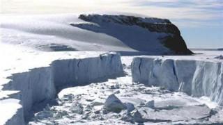 Σιβηρία: Απόκοσμα πλάσματα αποκαλύφθηκαν με το λιώσιμο των πάγων (pics)