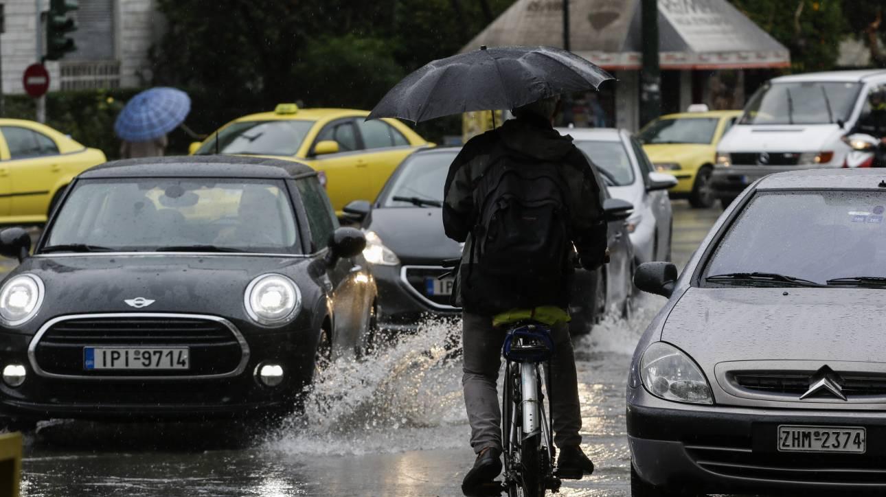 Καιρός: Ισχυρές βροχές, καταιγίδες και χιόνια την Πέμπτη