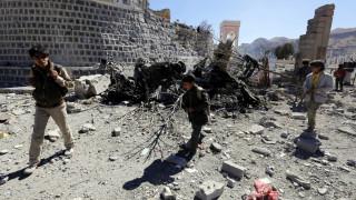 Δεκάδες νεκροί στην Υεμένη από τις αεροπορικές επιδρομές του συνασπισμού δυνάμεων υπό τη Σ. Αραβία