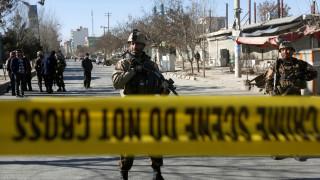 Νεκροί και τραυματίες από επίθεση καμικάζι στην Καμπούλ