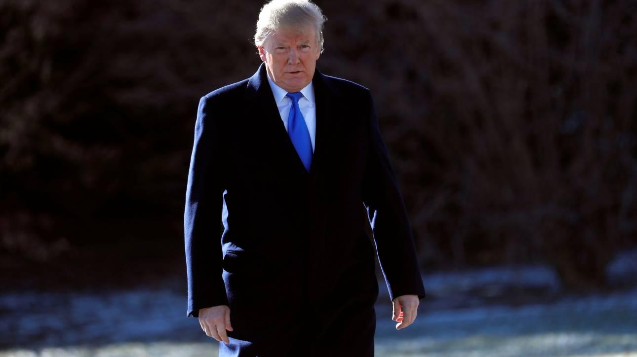 ΗΠΑ: Συνεχίζεται η κόντρα για το βιβλίο του Γουλφ για τον Ντόναλντ Τραμπ