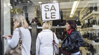 Χειμερινές εκπτώσεις: Πότε ξεκινούν και ποια Κυριακή θα είναι ανοιχτά τα καταστήματα