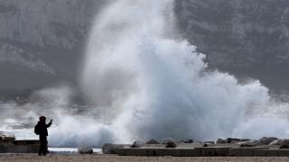 Γαλλία: Νεκροί και αγνοούμενοι από το πέρασμα της καταιγίδας Ελεανόρ (pics)