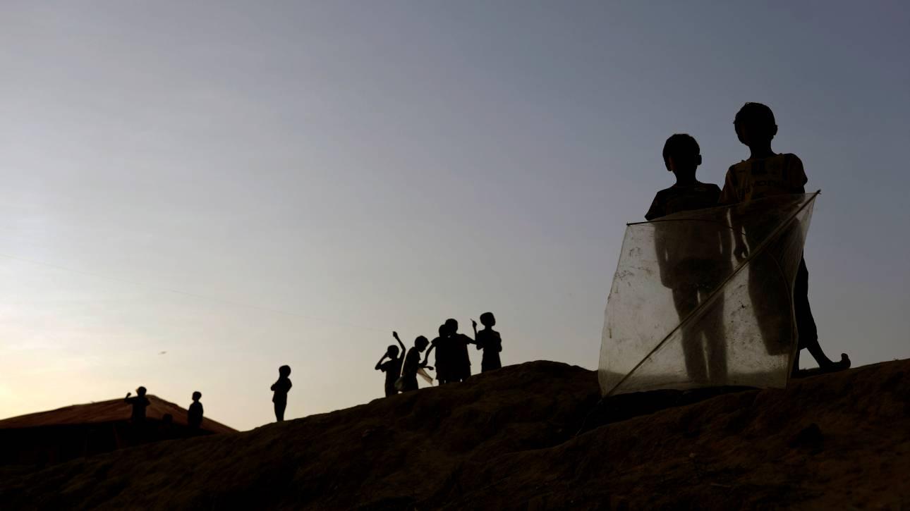 Ισπανία: Πάνω από 200 Αφρικανοί μετανάστες πέρασαν από φράχτη στη Μελίγια