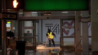 Χάος προκαλεί το πολικό ψύχος στη Νέα Υόρκη - Πλημμύρισε το JFK