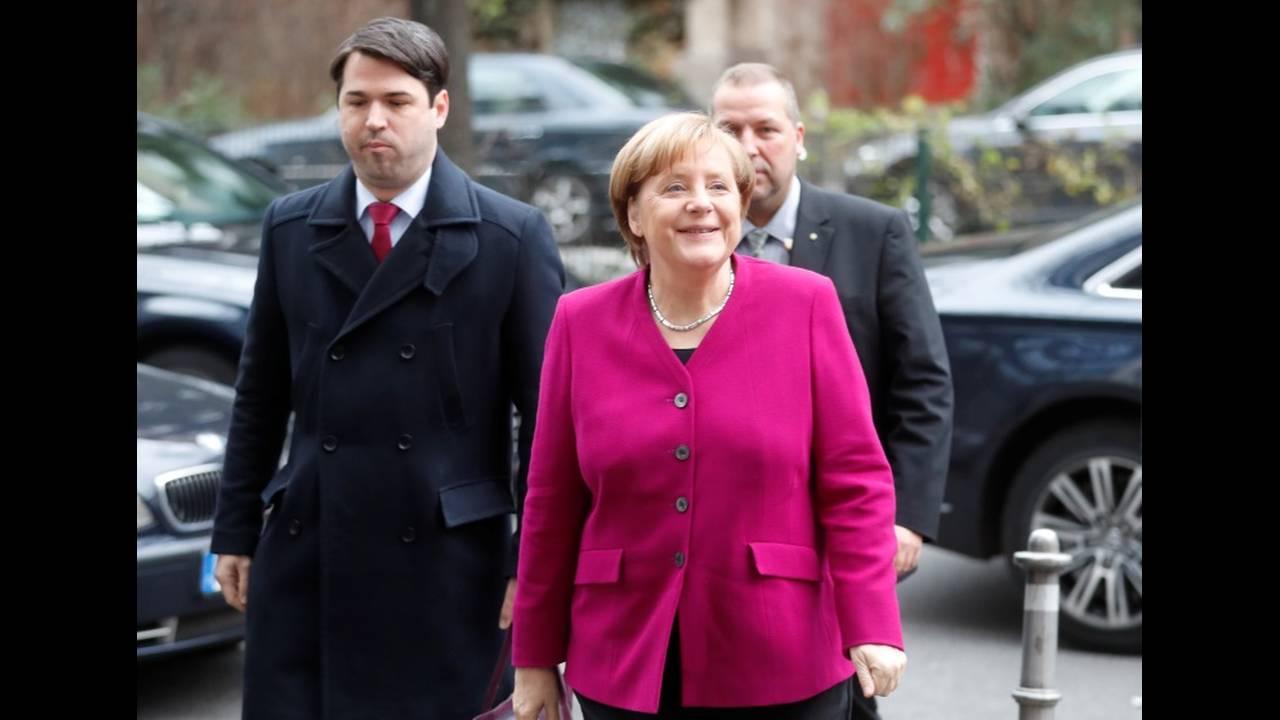 https://cdn.cnngreece.gr/media/news/2018/01/08/112637/photos/snapshot/2018-01-07T085817Z_852132244_RC17E95CDAF0_RTRMADP_3_GERMANY-POLITICS.JPG