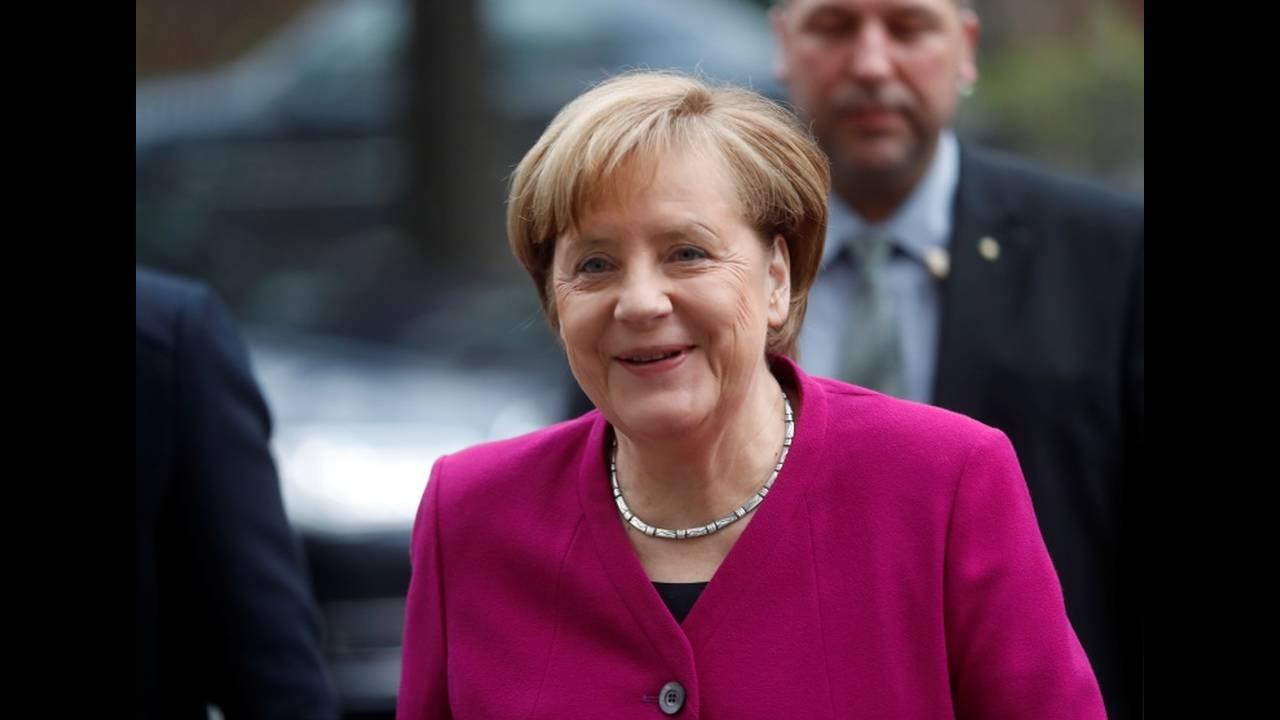 https://cdn.cnngreece.gr/media/news/2018/01/08/112647/photos/snapshot/2018-01-07T091001Z_932545970_RC1EAB50FEA0_RTRMADP_3_GERMANY-POLITICS.JPG