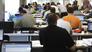 «Επιπλοκές» με το νόμο «Βερναρδάκη» για τους Διευθυντές του Δημοσίου