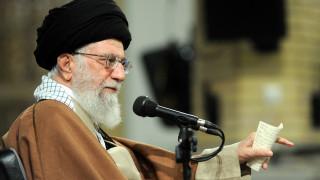 Ιράν: Ο Αλί Χαμενεϊ χαιρετίζει τις «κινητοποιήσεις κατά του εχθρού»