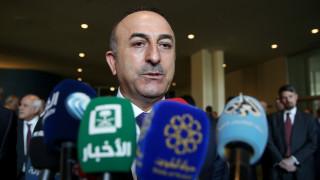 Ο Τσαβούσογλου κατηγορεί τη Συρία ότι υπονομεύει την πολιτική διαδικασία με τα πλήγματα στην Ιντλίμπ