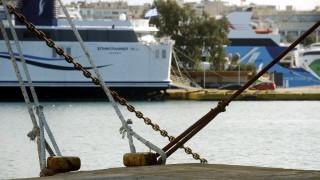 Δεμένα τα πλοία την Κυριακή σε Κέρκυρα και Ηγουμενίτσα