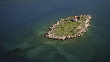 Το μικροσκοπικό νησί της Ιτέας από ψηλά (pics)