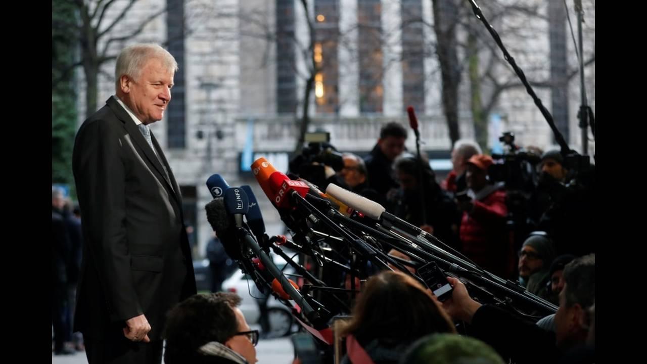 https://cdn.cnngreece.gr/media/news/2018/01/11/113041/photos/snapshot/2018-01-07T085501Z_494599173_RC1B0F026BB0_RTRMADP_3_GERMANY-POLITICS.JPG