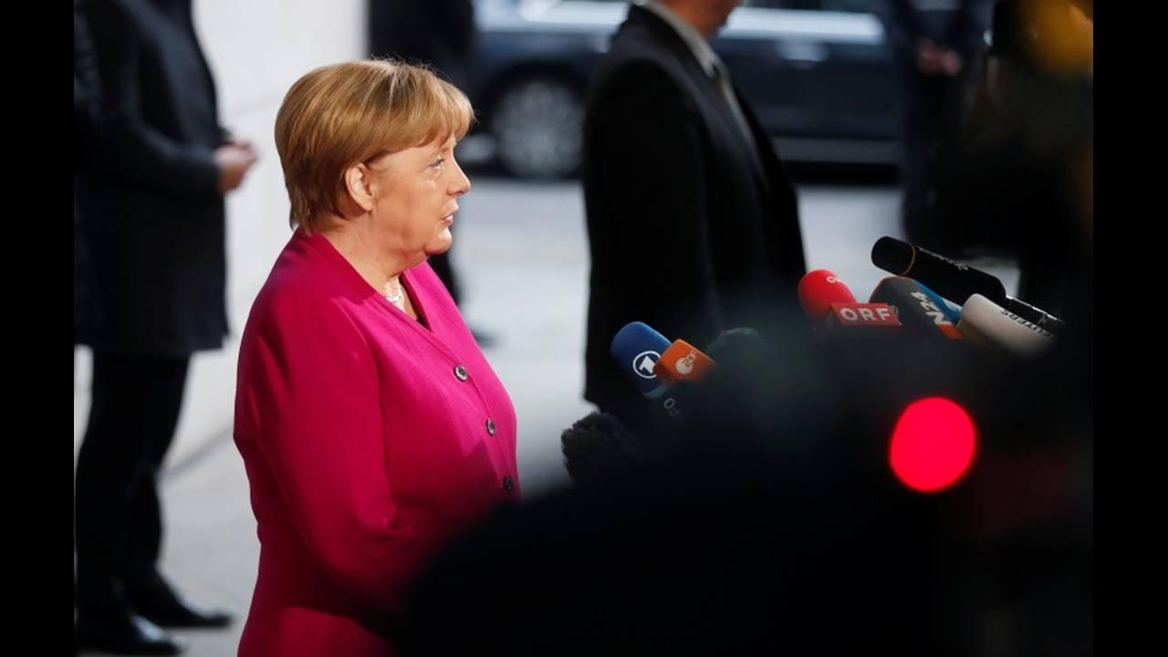 https://cdn.cnngreece.gr/media/news/2018/01/11/113041/photos/snapshot/2018-01-07T085918Z_2106733283_RC1C9D0B8090_RTRMADP_3_GERMANY-POLITICS.JPG