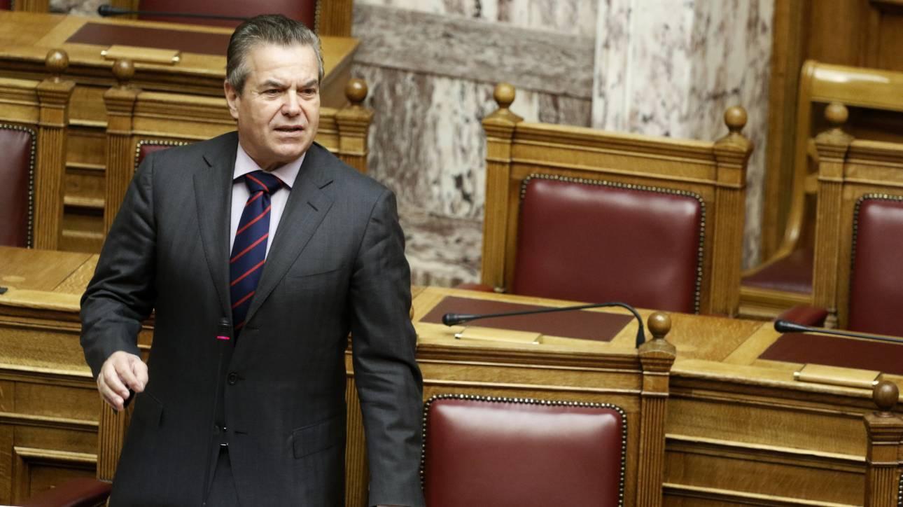 Πετρόπουλος: Δεν εξαιρούνται οι αγρότες από τις 120 δόσεις για οφειλές στα ασφαλιστικά ταμεία