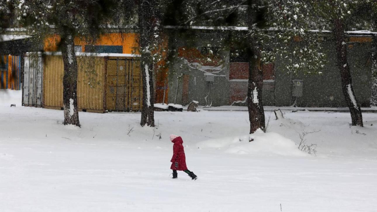 Κίνα: 8χρονος περπάτησε 4 χιλιόμετρα στο πολικό ψύχος για να γράψει διαγώνισμα
