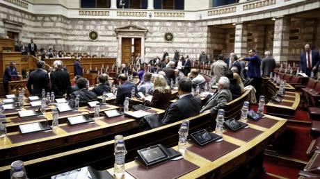 ΝΔ: Προεκλογικό «πυροτέχνημα» η πρωθυπουργική εξαγγελία για το μεταφορικό ισοδύναμο στα νησιά