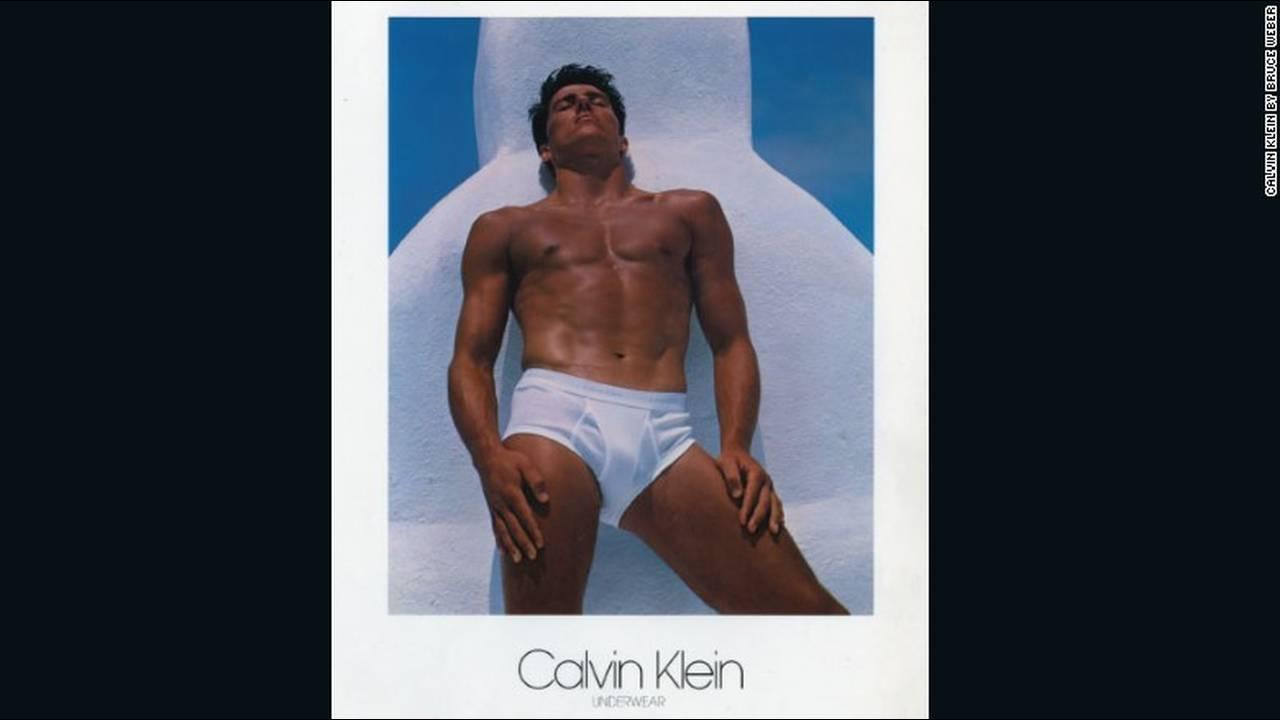 https://cdn.cnngreece.gr/media/news/2018/01/11/113070/photos/snapshot/calvin-klein-underwear-by-bruce-weber-1982-1.jpg