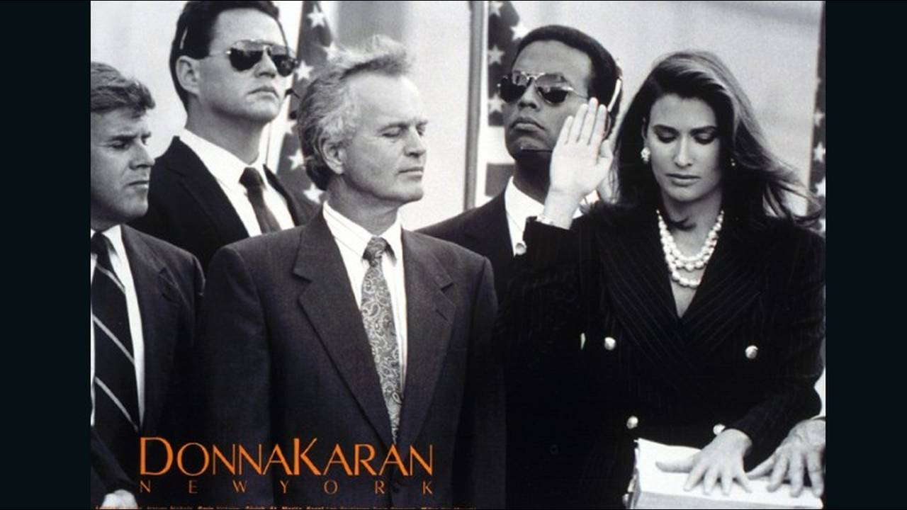 https://cdn.cnngreece.gr/media/news/2018/01/11/113070/photos/snapshot/donna-karan-in-women-we-trust-by-peter-lindbergh-1992-6.jpeg