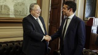 Κοτζιάς-Ντιμιτρόφ παίρνουν πάνω τους τη διαπραγμάτευση - ανάβει στην πΓΔΜ η συζήτηση για δημοψήφισμα