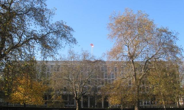 US Embassy in London in Grosvenor Square Aug2008 IMG 1102 1140x684