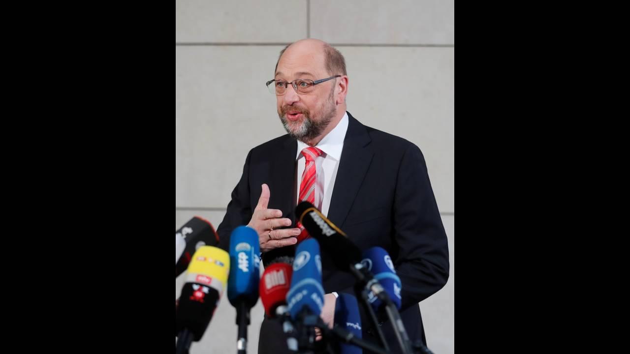 https://cdn.cnngreece.gr/media/news/2018/01/12/113181/photos/snapshot/2018-01-07T085041Z_1778621977_RC1D74365E40_RTRMADP_3_GERMANY-POLITICS.JPG
