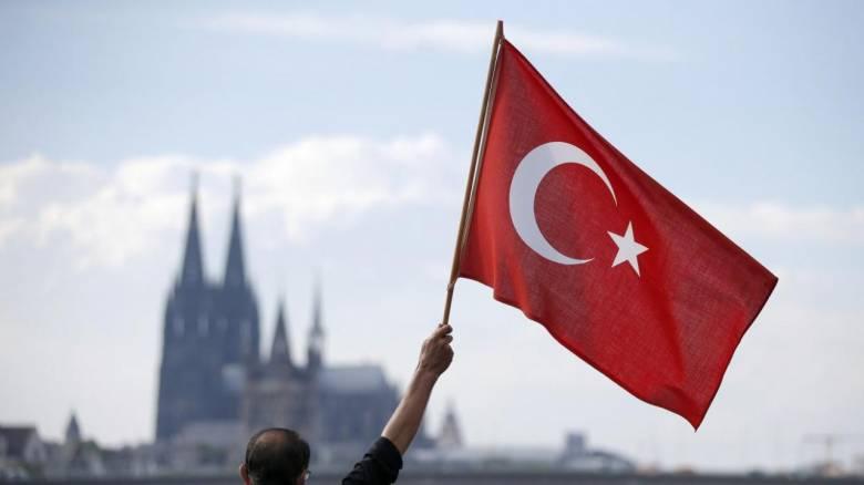 Τουρκία: Στις θέσεις τους 1.800 υπάλληλοι που είχαν απομακρυνθεί μετά το αποτυχημένο πραξικόπημα