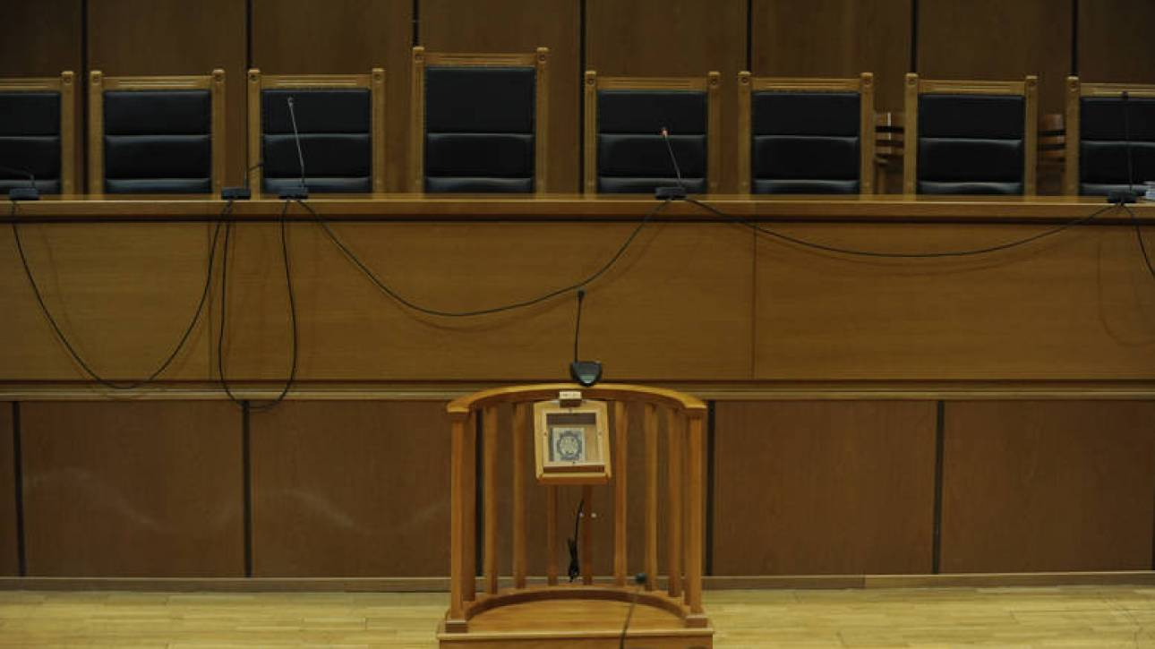 Νομική εκπροσώπηση εξασφάλισε το μοντέλο που συνελήφθη στο Χονγκ Κονγκ για μεταφορά κοκαΐνης