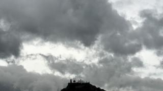 Καιρός: Βροχές, καταιγίδες και χιόνια το Σάββατο