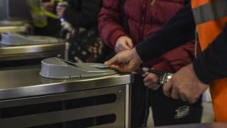 Ηλεκτρονικό εισιτήριο: Πότε θα κλείσουν οι μπάρες στους σταθμούς του μετρό