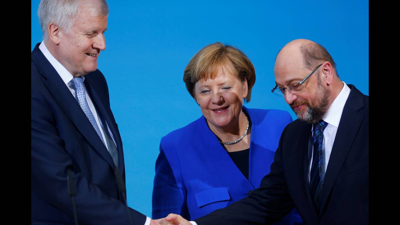 https://cdn.cnngreece.gr/media/news/2018/01/13/113299/photos/snapshot/2018-01-12T104016Z_1600709322_RC1102C31430_RTRMADP_3_GERMANY-POLITICS.JPG