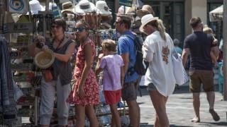 «Μπουμ τουριστών» βιώνει η Ελλάδα, σύμφωνα με τον γερμανικό Τύπο