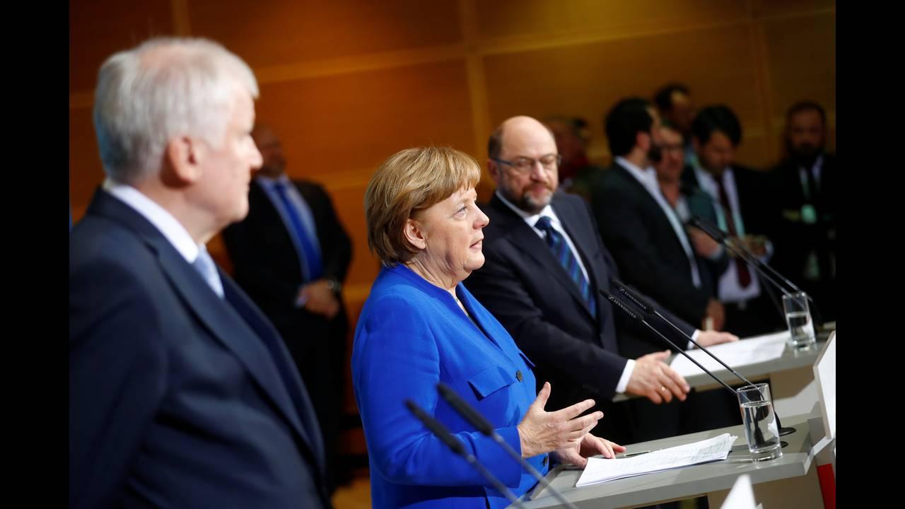 https://cdn.cnngreece.gr/media/news/2018/01/13/113326/photos/snapshot/2018-01-12T100051Z_34548001_RC1FB4DBD180_RTRMADP_3_GERMANY-POLITICS.JPG