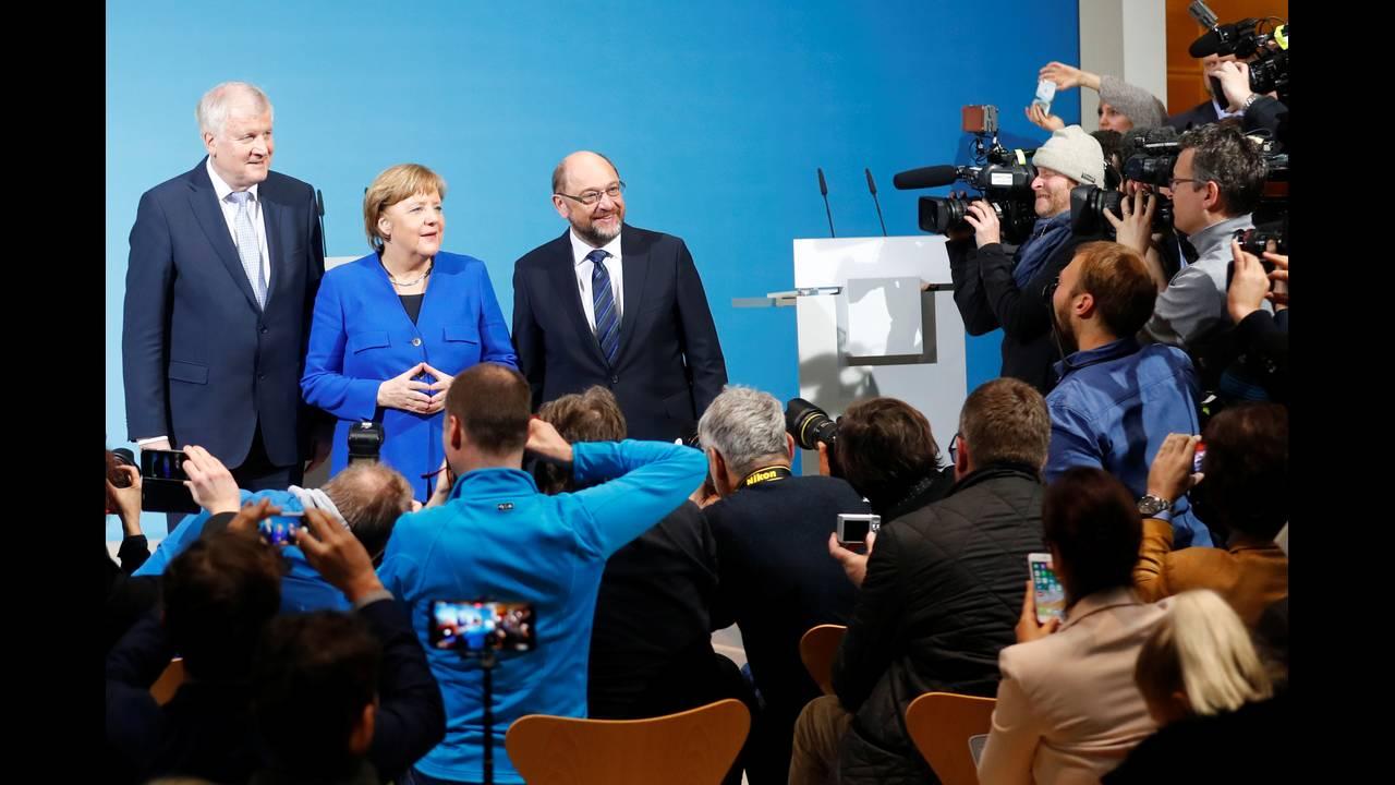 https://cdn.cnngreece.gr/media/news/2018/01/13/113326/photos/snapshot/2018-01-12T104103Z_1810613115_RC17CFF65C60_RTRMADP_3_GERMANY-POLITICS.JPG