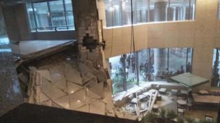 Ινδονησία: Κατέρρευσε όροφος του χρηματιστηρίου στη Τζακάρτα (pics&vid)