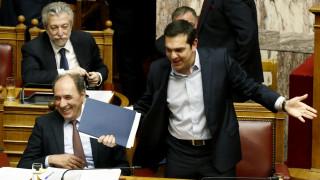 Πολυνομοσχέδιο και Μεγαλοοικονόμου τα κέρδη Τσίπρα - Στην Κύπρο σήμερα για την Τριμερή
