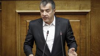 Θεοδωράκης: Κλείνετε τις μνημονιακές υποχρεώσεις με ένα νομοσχέδιο Φρανκενστάιν