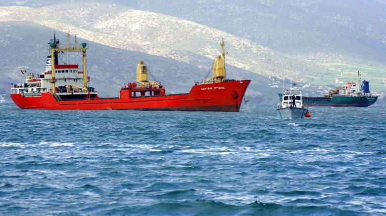 Προσάραξε δεξαμενόπλοιο στο λιμάνι των Ψαρών