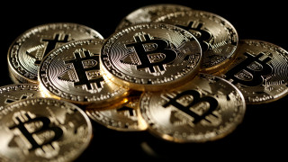 «Βουτιά» σημείωσε η τιμή του Bitcoin υπό τον φόβο απαγόρευσης των κρυπτονομισμάτων