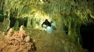 Επιβλητικό υποθαλάσσιο σπήλαιο ανακαλύφθηκε στο Μεξικό