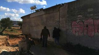Μάνδρα: Είχαν μπαζώσει το ρέμα για να χτίσουν αποδυτήρια γηπέδου