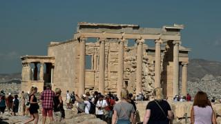 Αύξηση των τουριστών στην Ελλάδα το 2017 – Έφτασαν τα 26 εκατομμύρια