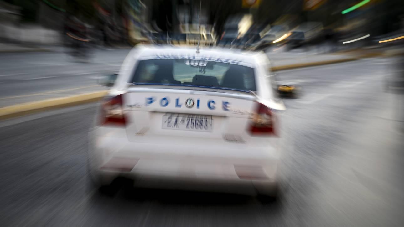 Αποκλειστικό: Επίθεση με καδρόνια σε περιπολικό στην Πατησίων