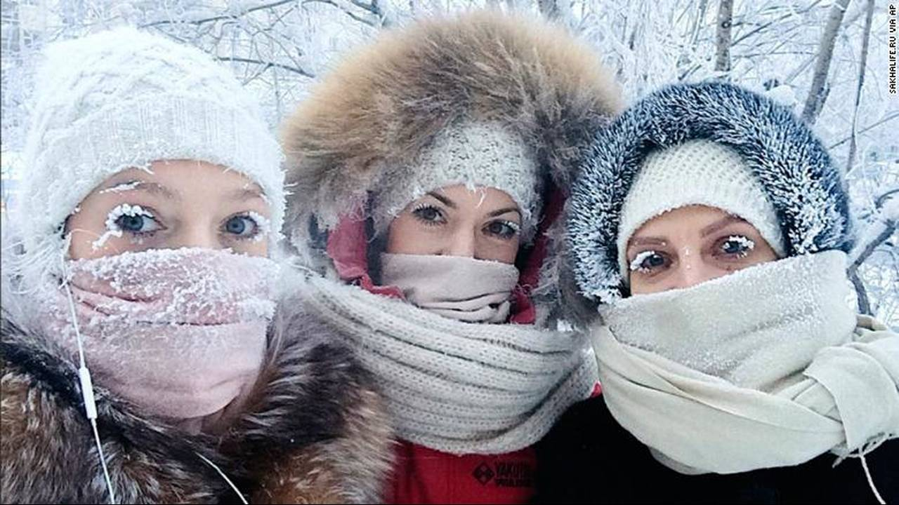 https://cdn.cnngreece.gr/media/news/2018/01/18/113946/photos/snapshot/180117054807-01-siberia-eyelashes-freezing-0114-exlarge-169.jpg