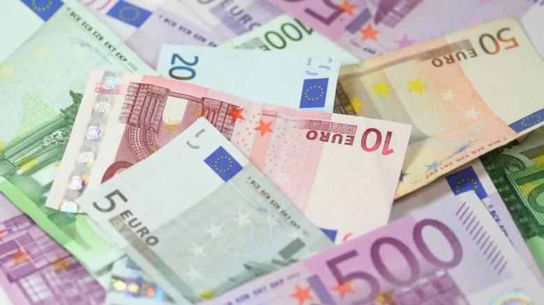 Πρωτογενές έλλειμμα 877 εκατ. ευρώ σε ταμειακή βάση το 2017