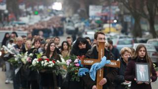 Χιλιάδες Σέρβοι στην κηδεία του Ιβάνοβιτς