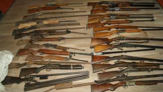 Ιωάννινα: Συνελήφθη 76χρονος με οπλοστάσιο στο σπίτι του (pics)