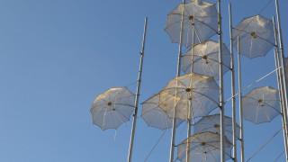 Τα μποφόρ «τραυμάτισαν» τις «Ομπρέλες» του Γ. Ζογγολόπουλου στη Θεσσαλονίκη