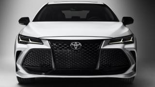 Έχετε δει αυτοκίνητο με μεγαλύτερη μάσκα από αυτή του Toyota Avalon;