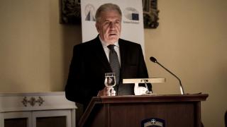 Αβραμόπουλος: Η Επιτροπή θα συνεχίσει να στηρίζει τις χώρες πρώτης υποδοχής